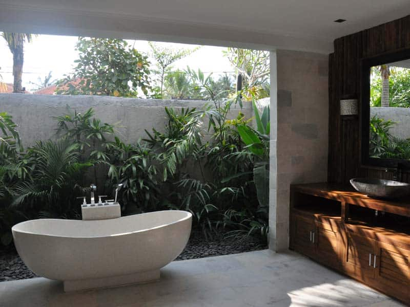 ubud virgin villa-private villa 3 bedroom-modern bathtub