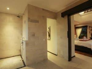 ubud virgin villa-private villa for rent in ubud-shower