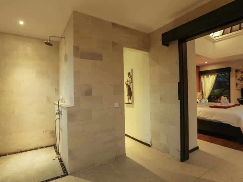 ubud virgin villa-private villa for rent in ubud-shower